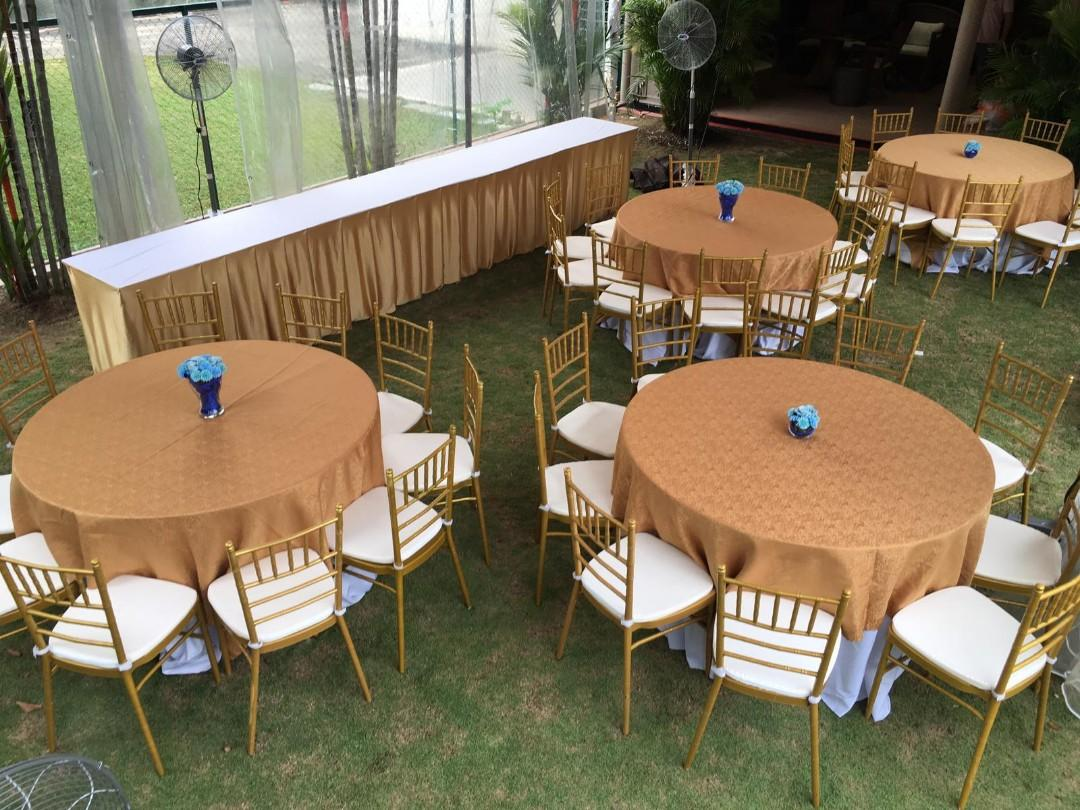 FROM $1 TABLES & CHAIRS FOR RENT