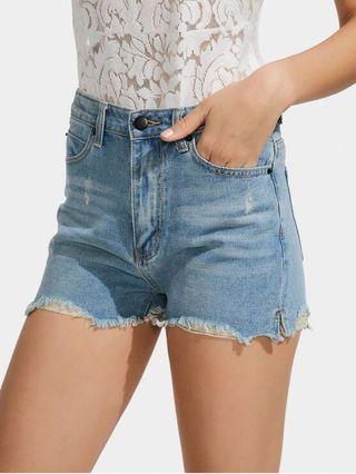 🚚 cotton on lightdenim highwaist shorts
