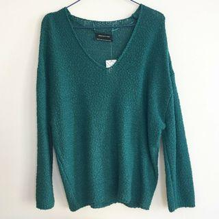 Urban Outfitters V Neck Sweater Sz XS