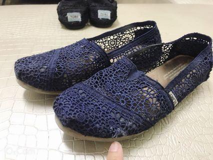 二手 38.5碼 24半 懶人鞋 TOMS®經典 女鞋 藍色鏤空 商品編號:toms30
