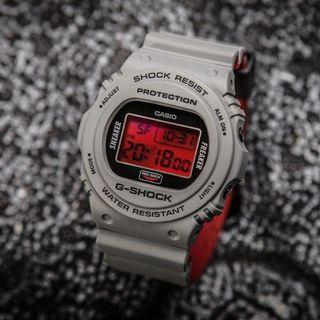100% Authentic New Casio G-Shock Sneaker Freaker Collaboration Dw-5700SF-1 Watch full set rare