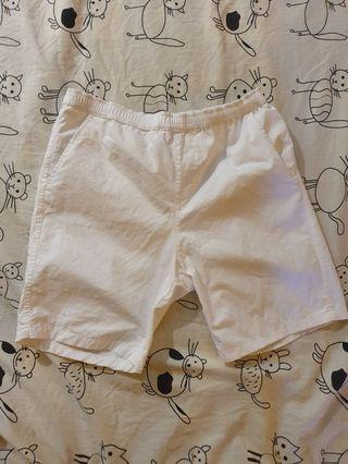 🚚 輕便型白短褲