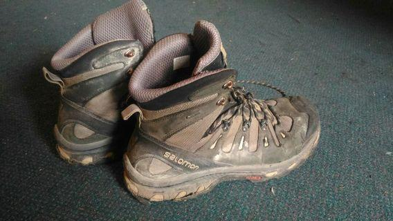Hiking Shoes ( SALOMON) Men Size 45