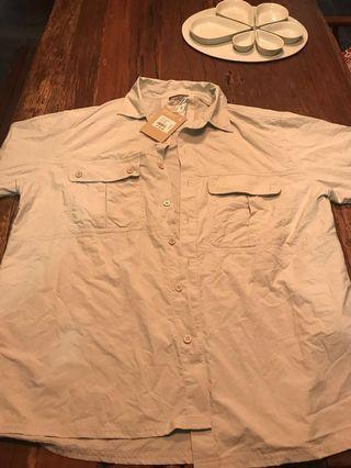 🚚 Kathmandu NEW WT SS lightweight travel shirt