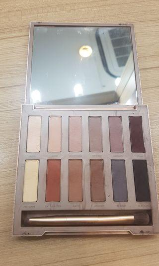 Eyeshadow pallete nude urban decay