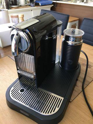 Delonghi Nespresso coffee machine w/ milk frother