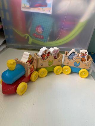 🚚 Wooden toy train