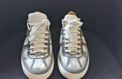 Jimmy Choo Sneaker 44 (High gloss leather)