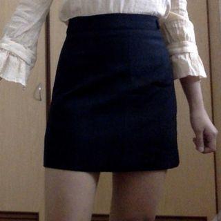[BNWT]High Waist  black skirt