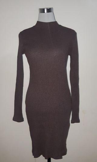Fit long sleeves dress