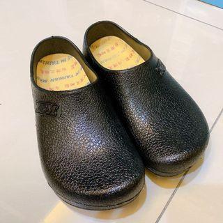 廚師防滑防水鞋/僅穿過一次