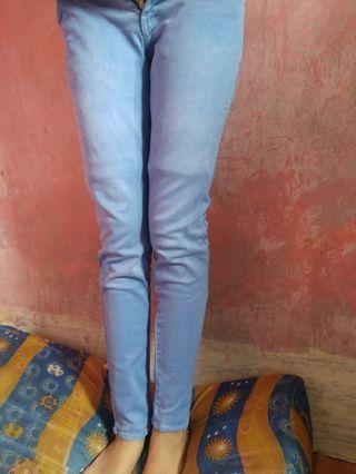 Celana Jeans ukuran 28