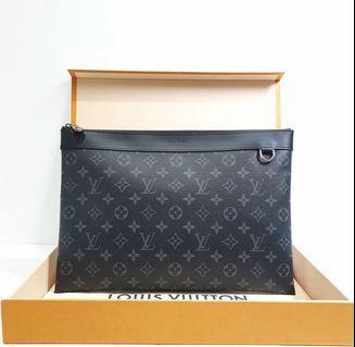 Louis Vuitton LV discovery Pochette Clutch