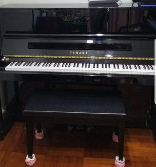 Yamaha upright Piano Y01