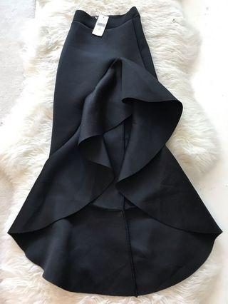 Fashion &Nova valentia Ruffle skirt black