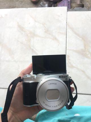 Mirrorless kamera nikon J5