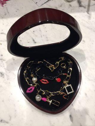 BNIB Lipstick Perfume Bottle Lip Pearls Imitation Pendant Necklace and Bracelet with Jewelry Box