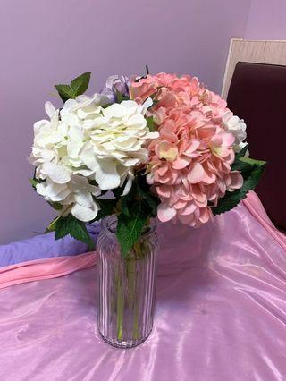 大綉花球 (8枝)+大花瓶/ 小绣球 (3枝)+小花瓶