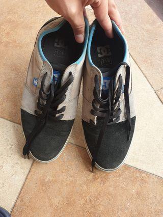 Sepatu jalan ripcurl low
