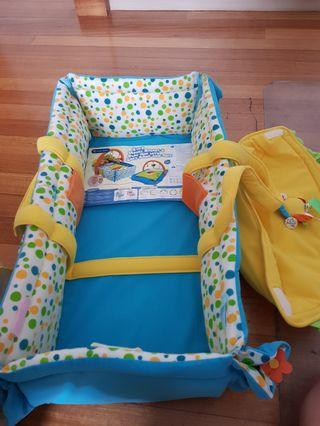 🚚 2 in 1 Moses Basket & play mat