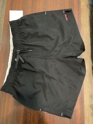 New Levi's 全新短褲沙灘褲 Men's short swims short