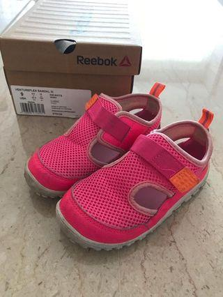 Reebok ventureflex sandals sneakers toddler 9