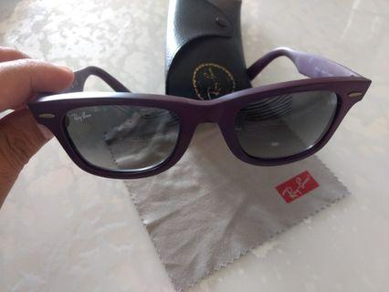 Ray Ban 特別板太陽眼鏡 sunglasses (made in italy) 90%新new 紫色,市場小有。