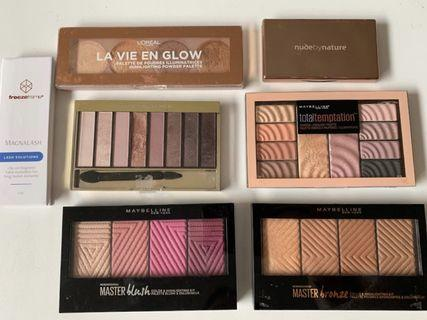 Makeup palettes set