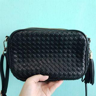 Black Handbag with 2 Zip