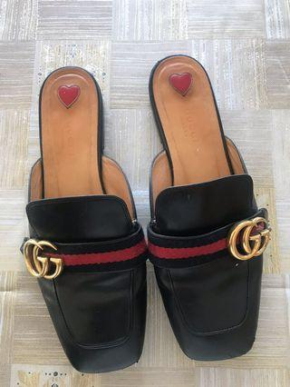 Gucci slides as 38