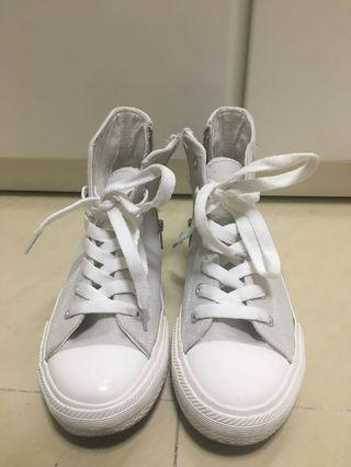 95%new shoes from Korea