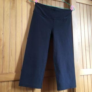 Nike Dri-Fit Three Quarter Pants / Cropped Pants / Capri Pants / Capris