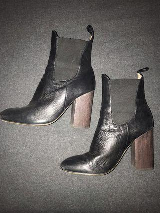 Seed Leather Heeled Boots