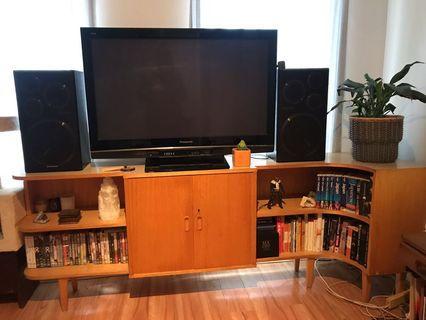 TV / entertainment unit