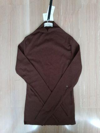 Xiao Zhai Nu Brown Turtleneck Top