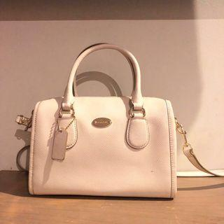 Coach Authentic ( white )