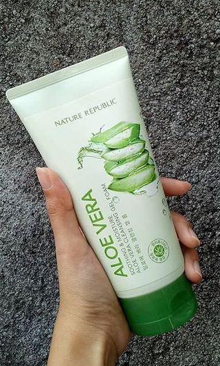 Nature Republic Aloevera Cleansing Foam