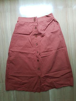 🚚 Button down skirt in rust color