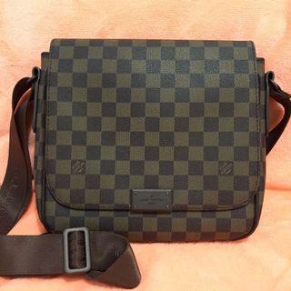 efe57dafc messenger bag louis vuitton damier | Bags & Wallets | Carousell ...