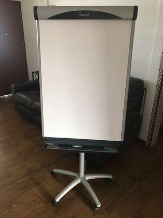 🚚 Whiteboard with stand and castor wheel