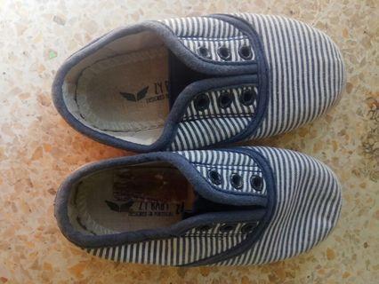 Sepatu anak merk zippy size 24