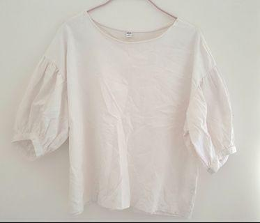 UNIQLO白色上衣/ UNIQLO White top