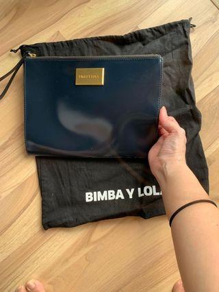 Bimba Y Lola baby blue clutch