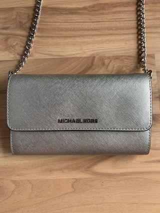 🚚 Michael Kors Sling Bag