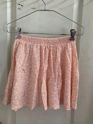 Pink floral skirt 粉紅碎花裙