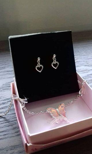 Barbie necklace & earrings set