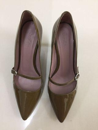 Boden UK Taupe Mary Jane Shoes / Heels