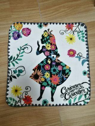 包平郵 Alice in the Wonderland 毛巾愛麗絲夢遊仙境方巾手帕手巾仔