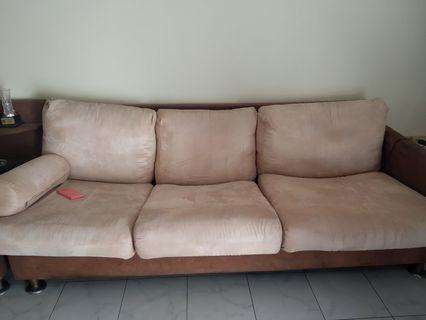 Sofa 3 seater + 2 seater (3+2+1+1) free end table