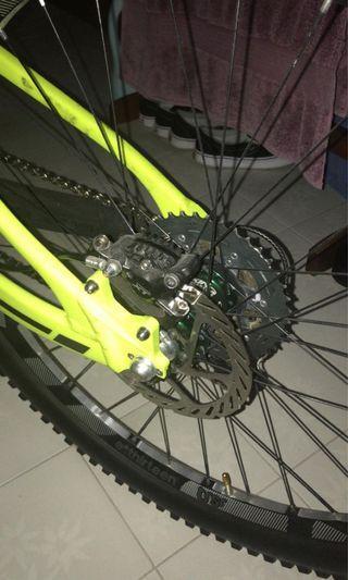 Downhill YETI mountain bike